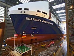 Seatruck Ferries'in yeni gemisi suya indi