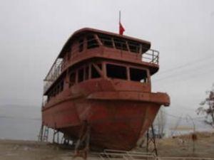 Nemrut'a turist taşıyacak gemi bitiriliyor