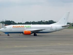 Endonezya'da kayıp uçak hâlâ sır