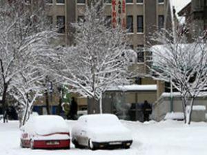 Ankara'da kar kalınlığı 15 cm oldu