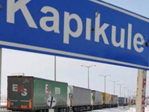 Bulgaristan TIR geçişlerini engelliyor