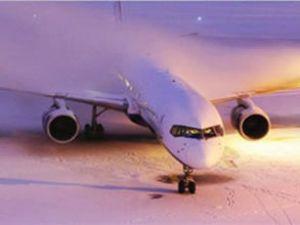 DHMİ ağır kış şartlarına meydan okuyor
