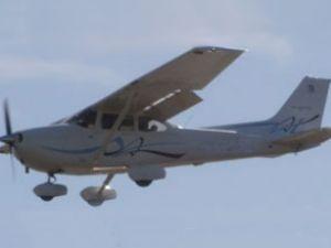 Uçağın pervanesi havada koptu!