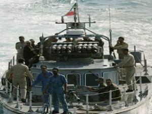 Aden'de petrol tankerine korsan saldırısı