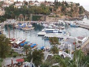 Kaleiçi Yat Limanı bitirilmeyi bekliyor