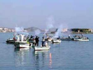Kargo gemisi balıkçılara saldırdı: 2 ölü