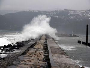 Karadeniz'de kuvvetli fırtına uyarısı!
