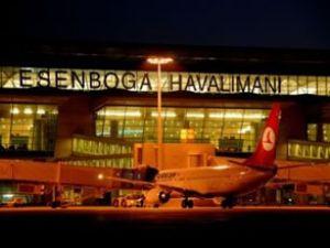 Esenboğa Havalimanı'na sis vurdu
