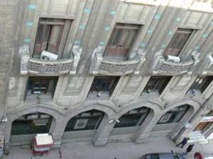 Karaköy'de 102 yıllık bina satışta