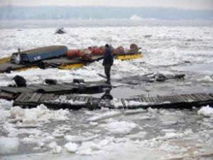Tuna nehrinde mısır yüklü tekne battı