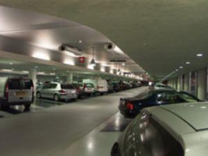 AVM otoparklarında üç saat uyarısı