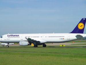 Lufthansa Uçağı Ankara'ya İnemedi