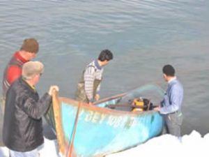 Batan tekneler su yüzüne çıkarıldı