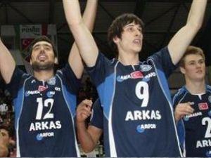 Arkas Spor bir ilke daha imza attı