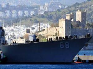 Savaş gemisi 'USS Sullivans' Bodrum'da