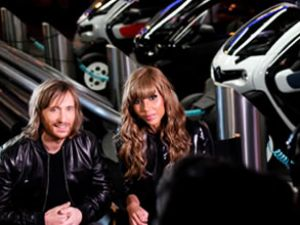 Renault,Twizy'i ''Guetta'' ile kutluyor