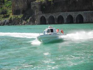 Tekne teröristlerden böyle kurtarıldı