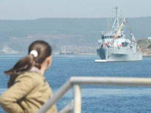 Gemiler Çanakkale'ye gelmeye başladı