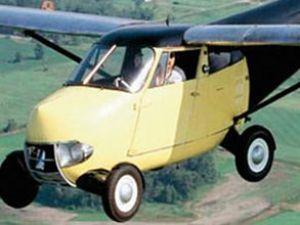 Dünyanın ilk uçan otomobili satışa çıktı