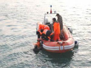 Karadeniz'de kaybolan denizciler aranıyor