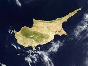 Rumlar İngilizleri Kıbrıs'tan atıyor