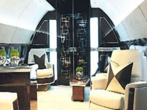 Londra'da uçak satan mağaza açıldı