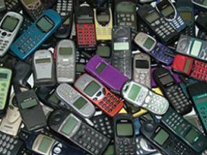 Eski cep telefonları servet kazandırıyor