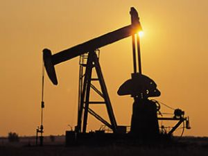 Petrol, toparlanmayı tehdit ediyor