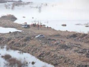 Tekne alabora oldu, 5 işçi kayboldu