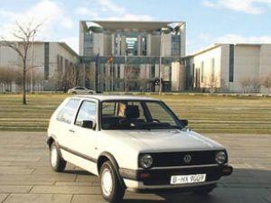 Merkel'in eski VW Golf'ü satışa çıktı