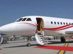 Hastaneyi sattı süper bir jet uçağı aldı