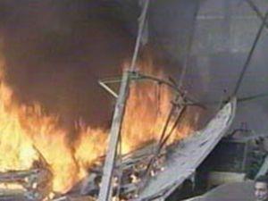 Lüks tekne gölde alev alarak yandı