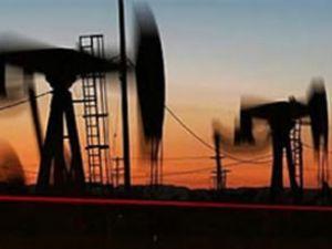 Türkiye sınırında petrol denizi çıktı
