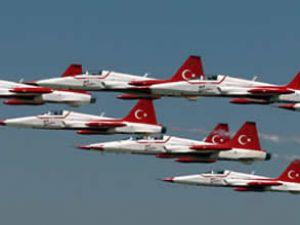 İstanbul'daki Fırtına Türk yıldızlarını vurdu