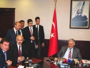 'İzmir'i marjinal gruplara teslim edemeyiz'