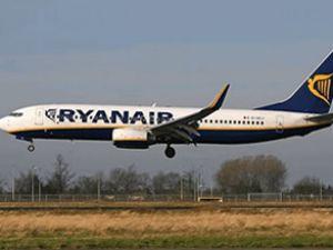 Ryanair Havayolları'na ait uçak geri döndü