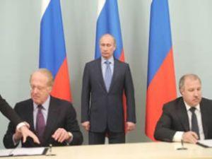 Rosneft ve Eni, denizde petrol arayacak