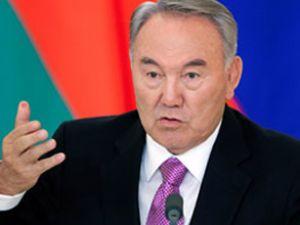 Nazarbayev'in 'el koyma' savunması