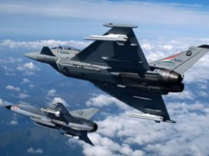 İngiltere'de savaş uçağı rezaleti