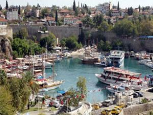 Ege ve Akdeniz'de marinalar doldu