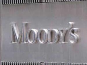 Moody's İtalyan bankaların notunu kırdı