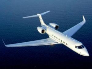 Kadın pilotları aşağıladı, uçaktan atıldı