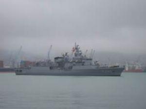 Cebelitarık'ta savaş gemileri burun buruna