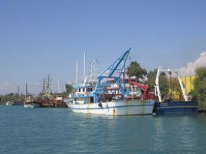 Aksu ve Manavgat'a yat limanı yapılacak