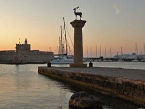 Yunanistan'da Türklere vizesiz geçiş başladı