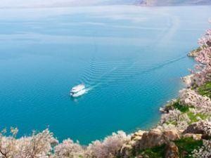 Van Gölü kıtalar arası lojistik köprü olacak