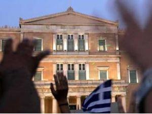 Dünya nefesini tuttu Yunanistan'ı izliyor