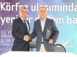 İzmir'de 15 yeni gemi için imzalar atıldı