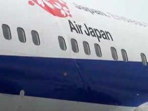 iniş yapan jet uçağının gövdesi yamuldu