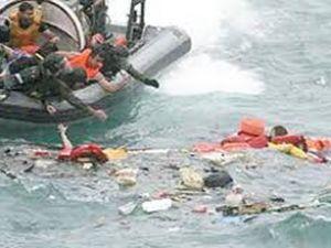 Avustralya yakınında tekne alabora oldu